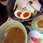 いかれたヌードル フィッシュトンズ - 特製濃厚つけ麺