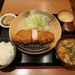 平田牧場 - 金華豚厚切りロースかつ膳(豚汁に変更)