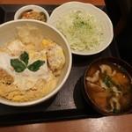 平田牧場 - 金華豚ロースかつ丼(豚汁に変更)