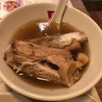 新加坡肉骨茶 - 骨付き肉骨茶