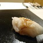 すし崇 - ほっき貝   赤酢  かなり しゃり 小さいです