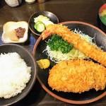 95297650 - 「ロース、エビ、ミックス定食」2200円(税込み)