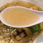麺屋 卓朗商店 - 塩くん玉らぁ麺のスープ