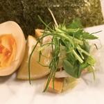 麺屋 卓朗商店 - 特製つけ麺のトッピング