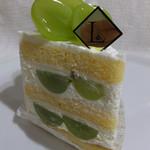 95299521 - マスカットのショートケーキ648円