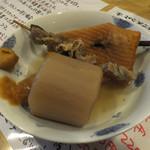 うどん職人さぬき麺之介 - おでん(大根・平天・牛すじ)各180円