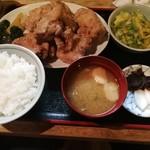 雛どり - 鶏唐揚定食900円