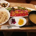 サクラ食堂 - 500kcal定食980円