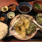 むちゃく - サンマの唐揚げと野菜の天ぷら       750円