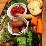 夜景×チーズ肉バル GARDEN - チーズフォンデュの野菜