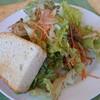 イル ジラソーレ - 料理写真:サラダとフォカッチャ