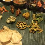 南インド家庭料理 カルナータカー - おまかせミールス