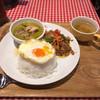 タイ国麺飯ティーヌン - 料理写真:Bセット(ガパオ&グリーンカレー)