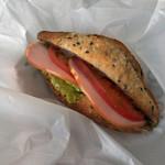 95329613 - フランスパン(ゴマ)のサンドイッチ