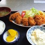 淀ヤ食堂 - カキフライ定食980円