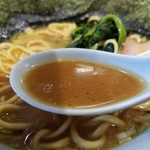 豚骨醤油ラーメン まじめ家 - スープ
