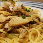ハシヤ - キノコたっぷりなキノコ×キノコ ガリバタ醤油味
