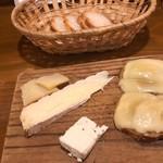 ラ ペッシュ - チーズの盛り合わせ 650円