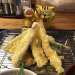 天ぷら三丁目 - 天ぷらは、定番の5種類