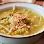 チャベ - 【牛モツ煮スープとごはん@税込850円】牛モツ煮スープ:寄ってみます