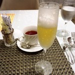 95348583 - 紅茶とスパークリングドリンク