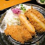 かつアンドかつ - 料理写真:日替わりはロースかつ・コロッケ(断面)・茄子・カボチャ