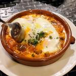 ティオ・ダンジョウ - 野菜とチョリソーのトマト煮半熟玉子添え