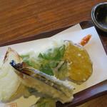 石臼自家挽き蕎麦 みなもと - 天ぷら 600円