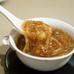 中国飯店 - フカフレと三種食材の醤油煮込み餡掛け