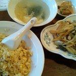 9536744 - 元氣餃子 弄堂 本日のチャーハンセット(豚肉と高菜の細切り炒め)
