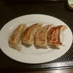 95360043 - 大判手包み餃子