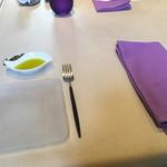 スミレオオサカ - テーブルセティング