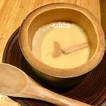 95365863 - お通しは熱々の「松茸の茶碗蒸し」♡