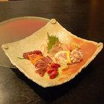 遊食彩宴居酒屋 Jambo家 - 鶏のお造り6種盛りです。←かなり新鮮でした~。