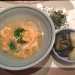 玄品 - 雑炊には刻み海苔と香の物付き