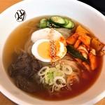 平壌冷麺食道園 - 平壌冷麺・中辛(800円)