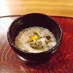 95375216 - 蟹の餡にムカゴ。聖護院にとんぶりと菊