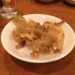 慶和楼 - お通しの搾菜