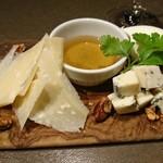 95380559 - チーズの3種盛