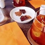 エルメス カフェ - レモンティーにチョコねww