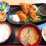 鮮魚料理 伊勢屋 - カキフライ定食
