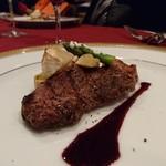 ムッシュ - ネロのステーキ バルサミコソースにかぶとアスパラのソテー添え