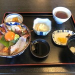 レストラン よし川 - 海鮮丼定食