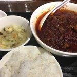 刀削麺 張家 - 豚麻辣土鍋