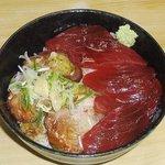 竹家食堂 - 実力派メニューの「めちゃ丼」850円 マグロとチャーシューの異種格闘技戦!水・土曜日限定です