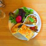 ホーム コーヒー アンド フード - 料理写真:『パニーニのランチセット』