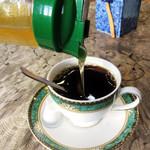 喫茶がんび - ハニーコーヒー税込400円。コーヒーにハチミツを投入