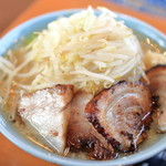 らぁめん大山 - 大麺+チャーシュー2枚