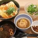 食のつむぎカフェ UMENOHANA エビスタ西宮店 -