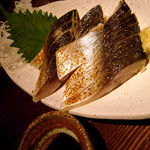 福の神 本店 - 炙り〆鯖。焼き鳥屋で食べる鯖もおつなものでした